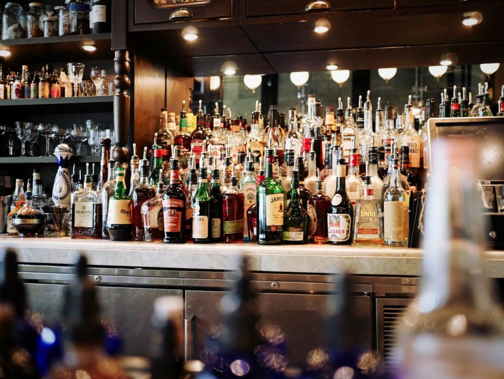 Best 10 Popular Drinks at Bars